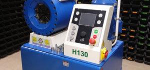 Profesjonalne urządzenie renomowanej włoskiej firmy o+p służące do zakuwania przewodów hydraulicznych wyposażone w elektroniczny panel sterujący zapewniający precyzję a co za tym idzie trwałość i przede wszystkim szczelność połączenia.