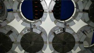 """Zestaw szczęk zaciskowych do zakuwania przewodów hydraulicznych o średnicach od 1/4"""" do 2""""."""